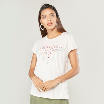 Printed Round Neck T-shirt with Tassel Detail