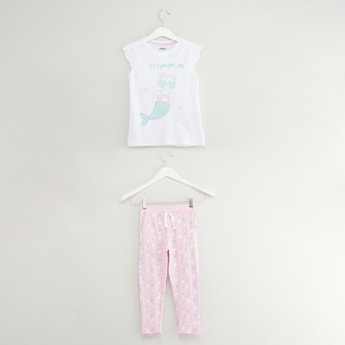 Printed T-shirt and Pyjama Set with Schiffli Detail