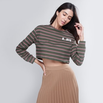 Striped Crop Top with Round Neck and Long Sleeves