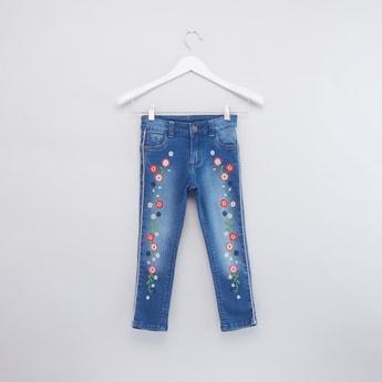 بنطال جينز بتطريز أزهار مع جيوب وحلقات حزام