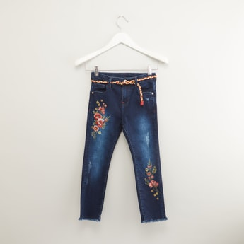Embroidered Frayed Jeans with Button Closure and Belt