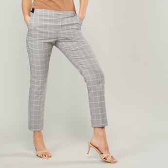 Chequered Trousers with Pocket Detail