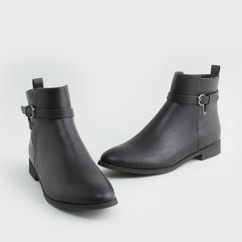 Plain Boots with Zip Closure and Pin Buckle Detail