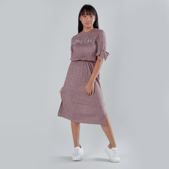 Ribbed Dress with Short Sleeves and Pearl Detail