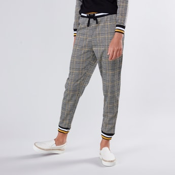 Chequered Jog Pants with Elasticised Waistband and Drawstring
