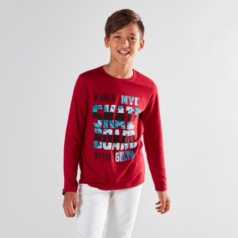 Typographic Printed T-shirt with Round Neck and Long Sleeves