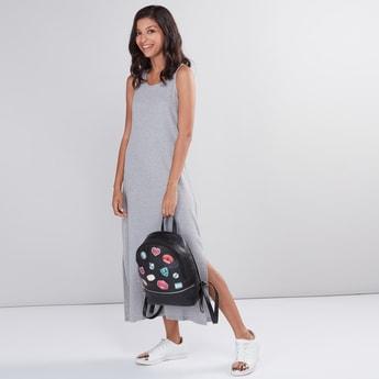 فستان مضلع دون أكمام بياقة مستديرة وفتحة جانبية
