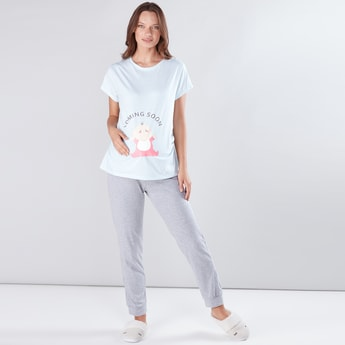 Maternity Printed T-Shirt with Jog Pants
