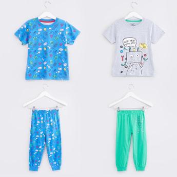 Short Sleeves T-Shirt with Printed Jog Pants - Set of 2