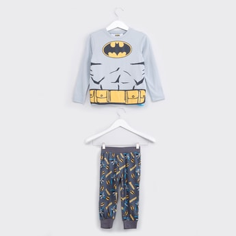 Batman Printed T-Shirt with Jog Pants and Removable Cape