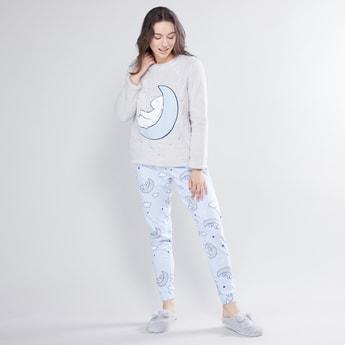 Textured Long Sleeves T-shirt and Full Length Jog Pants Set