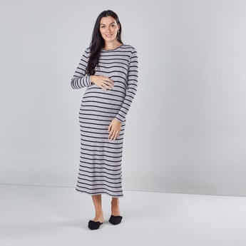 فستان مخطّط طويل بياقة مستديرة للحوامل مع أكمام طويلة