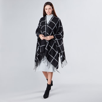 Chequered Shrug with Tassels Detail