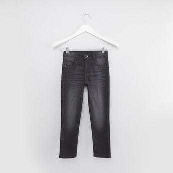 بنطال جينز طويل بزرّ إغلاق وجيوب