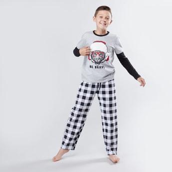 Printed Long Sleeves T-shirt and Chequered Pyjama Set