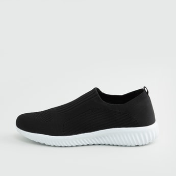 Textured Sports Shoes with Pull Tab