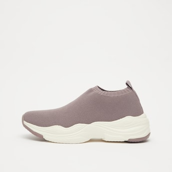 Textured Slip-On Sports Shoes with Pull Tabs