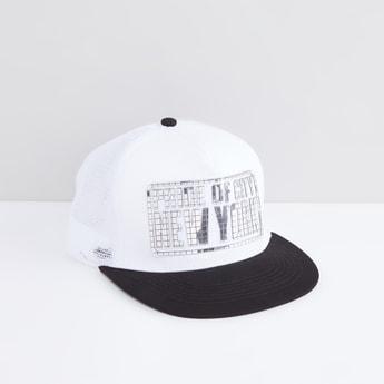 قبعة كاب بتزيينات