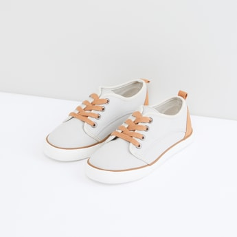 Lace-Up Shoes with Pull Tab