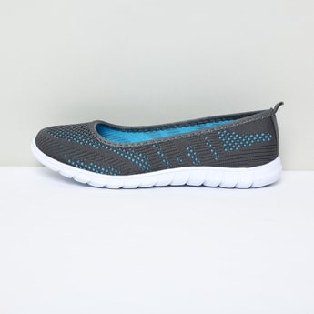 MAX Mesh Detailed Slip-On Shoes