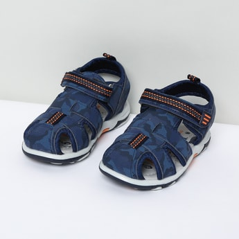 MAX Camouflage Print Velcro Strap Sandals