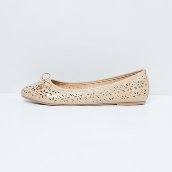 MAX Laser-Cut Detailed Ballerinas