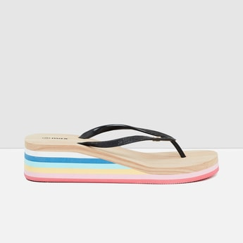 MAX Striped Wedges with Textured Straps