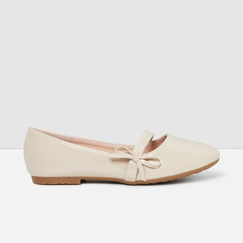 MAX Solid Bow Detailed Ballerina