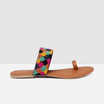 MAX Beaded Toe-Ring Flat Sandals