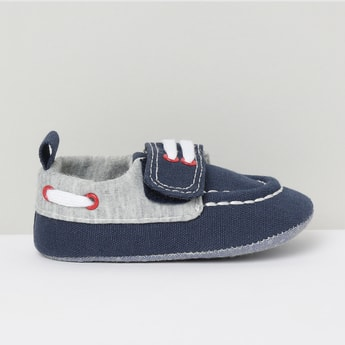 MAX Colourblocked Velcro-Strap Casual Shoes