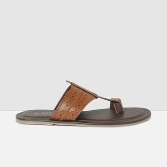 MAX Textured Kolhapuri Sandals
