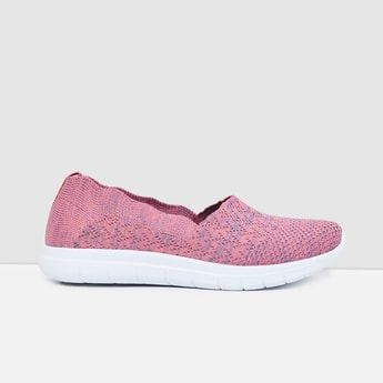 MAX Solid Sports Shoes