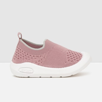 MAX Knitted Slip-On Casual Shoes