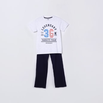 MAX Printed Round Neck T-shirt and Solid Pyjamas