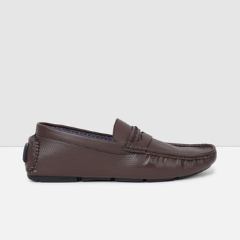 MAX Laser Cut-Out Detailed Loafers