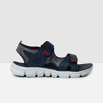 MAX Solid Casual Sandals