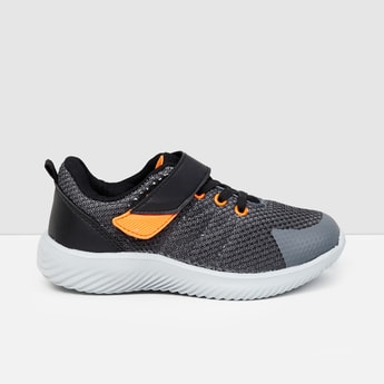 MAX Textured Lace-Up Shoes