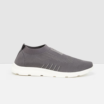 MAX Textured Casual Slip-On Sports Shoes