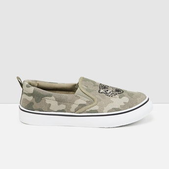 MAX Printed Slip On Casual Shoes