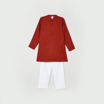 MAX Textured Kurta with Solid Elasticated Pyjama