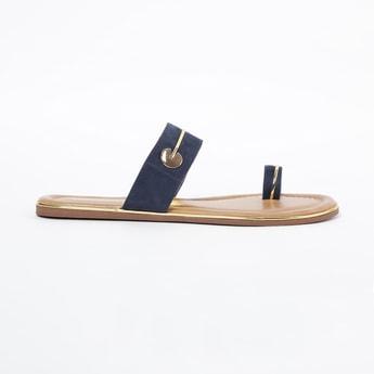 INC.5 Toe-Ring Flat Sandals