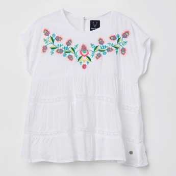 ALLEN SOLLY Floral Embroidered Top