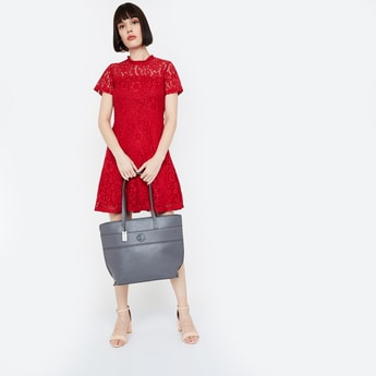CAPRESE Solid Panelled Tote Bag