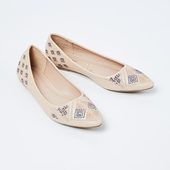 GINGER Pointed-Toe Embroidered Bellies