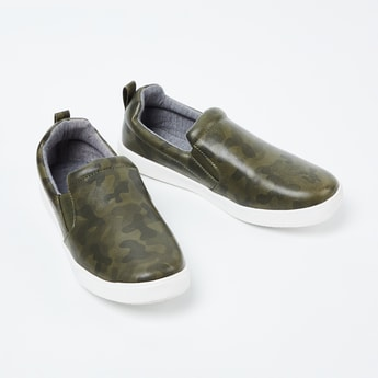 FAME FOREVER Camouflage Print Slip-On Shoes