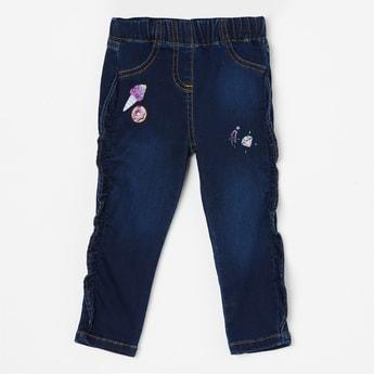 JUNIORS Stonewashed Elastic Waist Jeans
