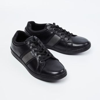 RED TAPE Panelled Low-Top Casual Shoes