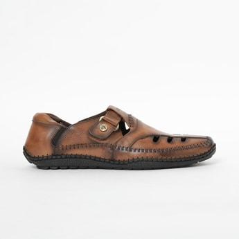 BUCKAROO Solid Sandals