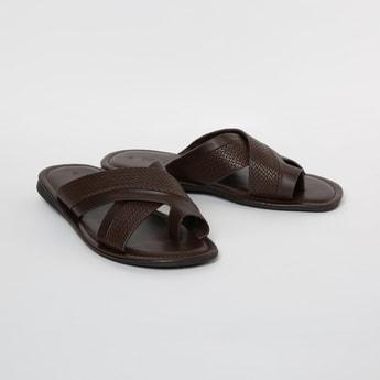 CODE Herringbone Pattern Weave Toe-Ring Flat Sandals