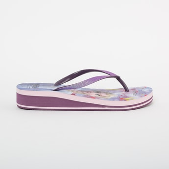 FAME FOREVER Frozen Print Thong Wedges